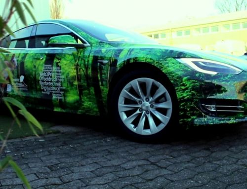 Tesla Fahrzeugbeschriftung: Car-Wrapping im Corporate Design Umweltdruckhaus Hannover